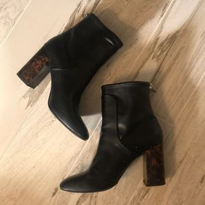 Black square toe booties w/ tortoise block heel